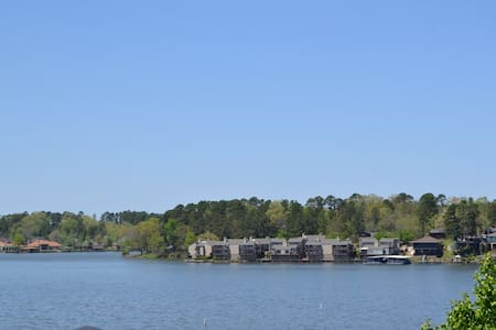 Just Remodeled 2nd Floor Views  2 Bed 2 Bath WIFI - Lake Hamilton
