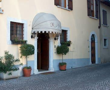 Affittacamere in centro storico - Raffa