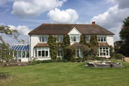 B&B in beautiful rural Sussex - West Sussex - Bed & Breakfast