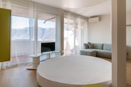 Eden Rock Studio Lake View - Apartment