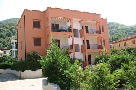 Residence Acquarius, mare e terme - Marina - Huoneisto