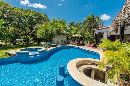 Hacienda JJ Tamarindo #3 - Szoba reggelivel