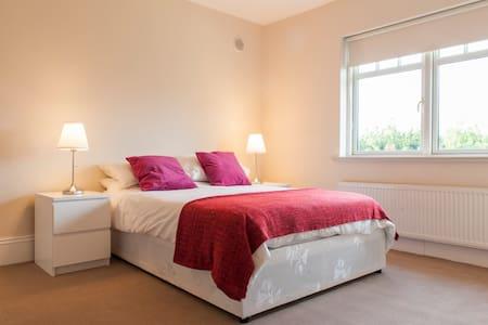 Dublin 3 By The Sea, Luxury Room