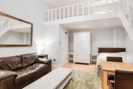 Split Level Studio-clean-South Kens - London - Wohnung