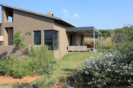 Modern House in a safe Golf Estate - Johannesburg