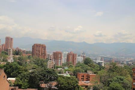 Habitación Privada para un Placentero Descanso - Medellín - Condominio