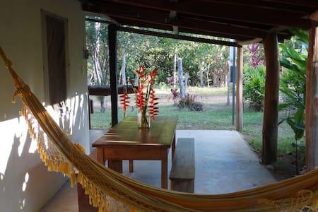 Chácara- Flores, Rio, Paz,20 km centro, zona rural - Ilhéus - Cabaña