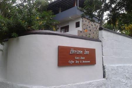 Horizon Inn - Kapparatota, Weligama - Villa