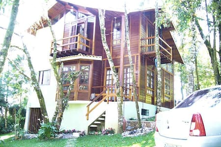 Casa mista charmosa 3 dormit. (400 m do centro) - Kabin