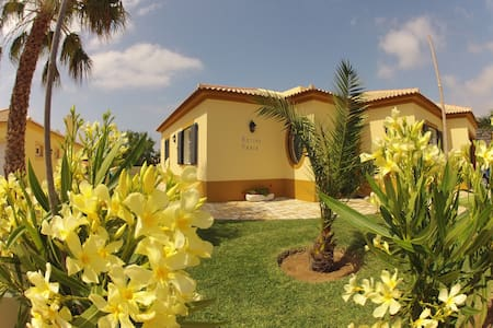 Villa 100 meters from the beach - Haus