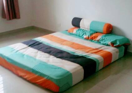 A simple cozy room close to Legoland Malaysia - Skudai