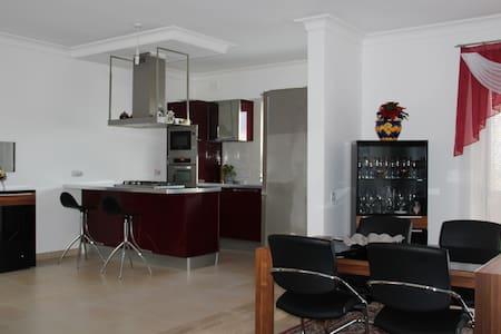 Room for rent, Swieqi (Malta). - Huoneisto