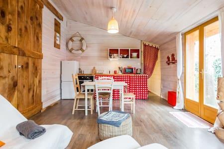 maisonnette en bois - House