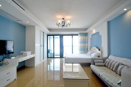 北海北部湾一号一线海景公寓,整套出租 74平米 独立观海阳台 自带厨房 - Beihai