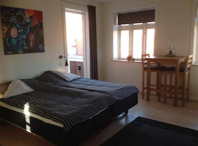 Holiday Home Happynes - Henne - Bed & Breakfast