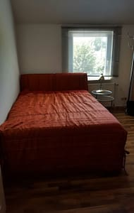 24H Check-In,  Parking available for LKW/TRUCKS - Hildesheim - Apartment