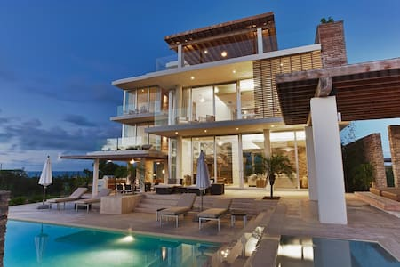 Award Winning Ocean Front Villa Estate - Little Bay