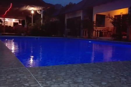 bunssédanes residence avec piscine. - Krong Preah Sihanouk