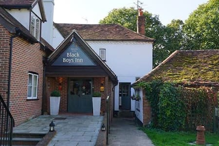 Charming Inn with modern rooms + Ensuite's - Henley  - Bed & Breakfast