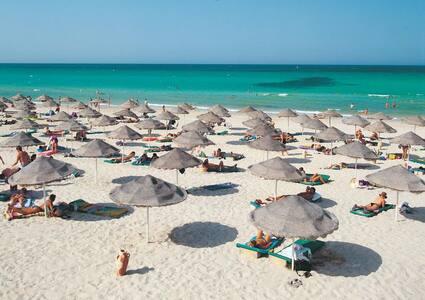 De top 20 vakantiewoningen korte termijn verhuur in ras for Jardins moulouya 2015