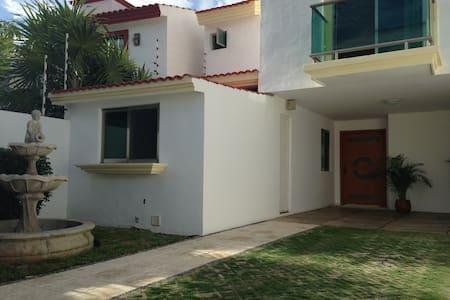 Casa Vacaciones Cancún - Cancun - Casa