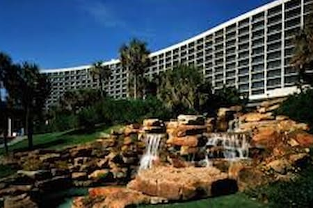San Luis Condo Resort Beach Front - Galveston - Condominium
