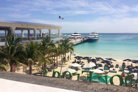 Beachfront Playa del Carmen - Lakás