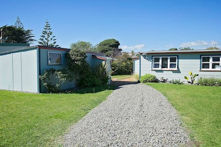Beach Retreat on Rua - Waitarere Beach - Casa
