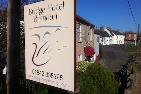 The Bridge Hotel Brandon Room Seven - Bed & Breakfast