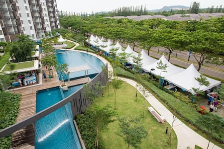 The Wateredge Apartment , Senibong Cove - Daire
