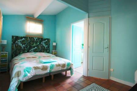 Chalet 1 chambre dans la forêt - Chalet