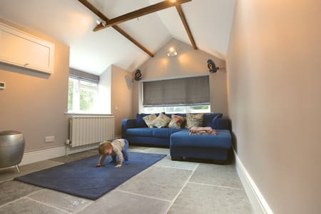 A perfect Cotswold getaway close to Burford. - Fulbrook