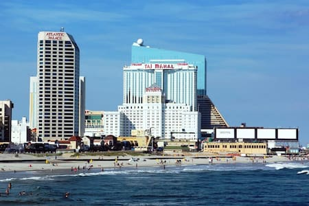 = July 1-8 = DIRECTLY on Boardwalk - Atlantic City