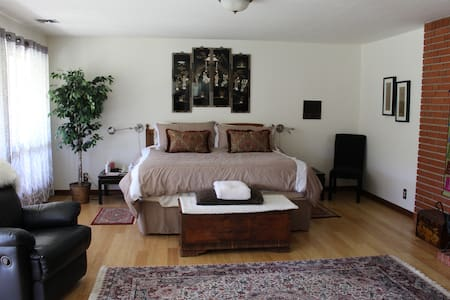 4 Bedroom Country Retreat - Gilroy