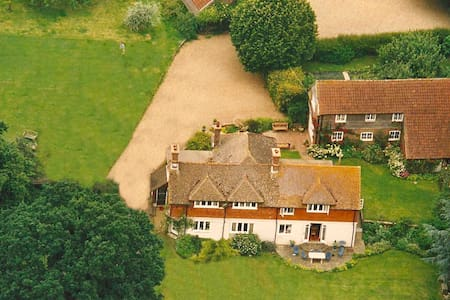 Haymakers Farm Barn, Waldron, East Sussex - Bed & Breakfast