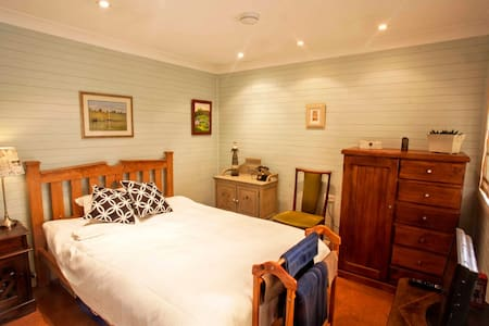 B&B Sparrow Room - Bed & Breakfast