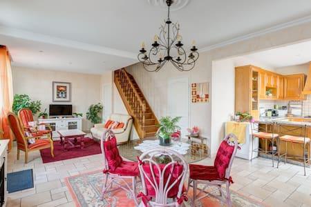 Maison à 50m Gare Ermont Eaubonne - Rumah