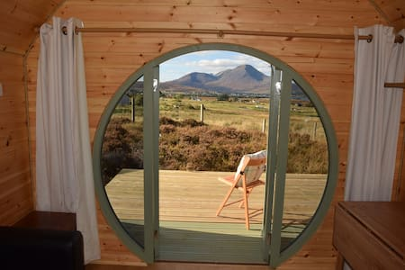 The Hobbit House on the Isle of Skye - Cabin