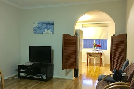 Get Away Holiday House 106 [7 Pax]7人度假房 - Gosnells - Rumah