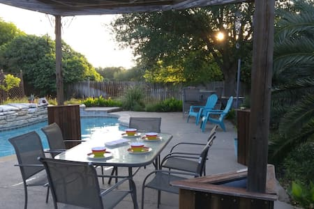 SevenSistersLodging--Northeast of Austin, TX - House
