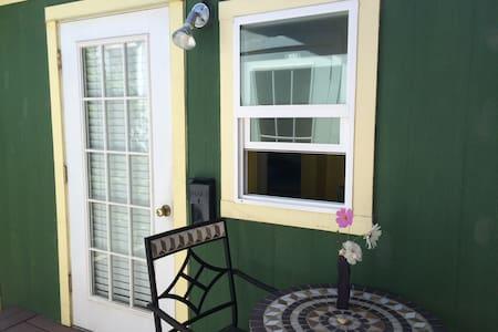 Sunny Studio in Seabright - Santa Cruz