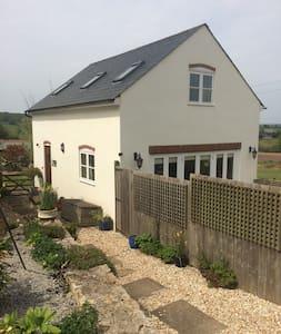 Daisie Cottage - 4 star rural detached cottage - Gloucestershire - Casa