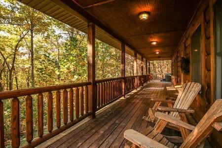 Simple Pleasures Cabin: Shen Woods - Stanley - Chatka