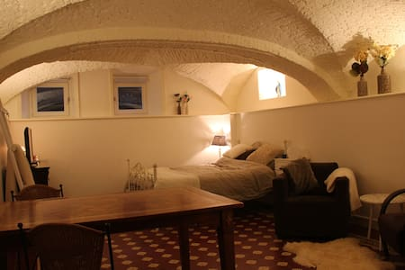 Beautiful basement room in monument - Zwolle - Piano intero