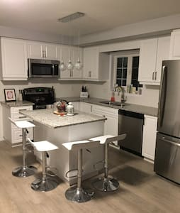 Luxury Room with Private Ensuite - Kitchener - House