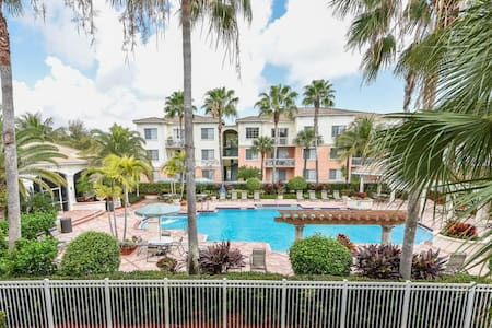 Upscale 2/2 Minutes to Local Beaches - Palm Beach Gardens - Appartement en résidence