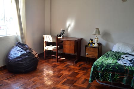 ¡Central Place¡ Room in Lince - House