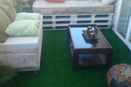 En la playa con terraza y piscina - Castelldefels - Apartment