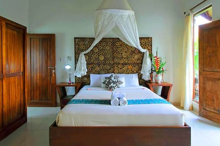 2 BR Balinese Cottage with   Pool - Ubud - Bed & Breakfast