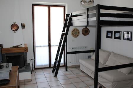 Accogliente monolocale - Carona - Lägenhet